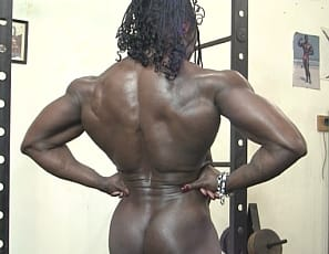 We all know and love ebony female bodybuilder Roxanne Edwards. Who is better qualified to give workout instruction? No one that we can think of. From her bulging biceps to her powerful calves, Roxanne is the epitome of hard muscle. So, when she tells you how to do something you better do it!
