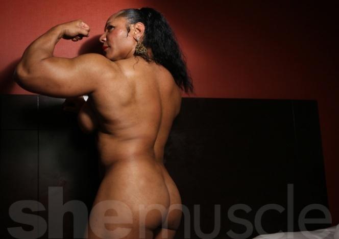 Female bodybuilders carmella tubes really