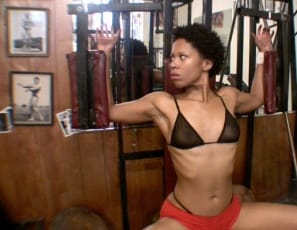 Flexible Melanie's in the gym, getting turned on by working the ebony muscles of her biceps and legs, and masturbating and penetrating herself with a toy while you watch in close-up.